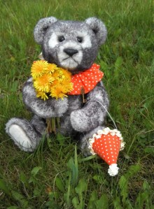 Teddybear Shinsh and flowers